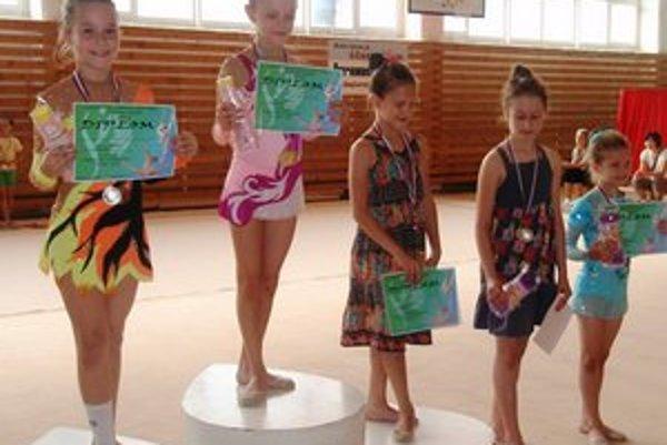 Víťazky kategórie (tanec – vlastné choreografie). Najlepším výkonom sa prezentovala prvá Sabrina Seifertová. Druhá skončila Laura Bernátová a tretia Alexandra Šimková.