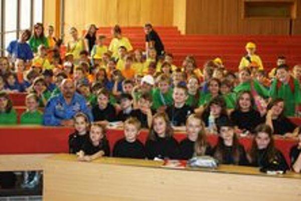 Detskí študenti. Univerzity sa môže zúčastniť 180 detí.