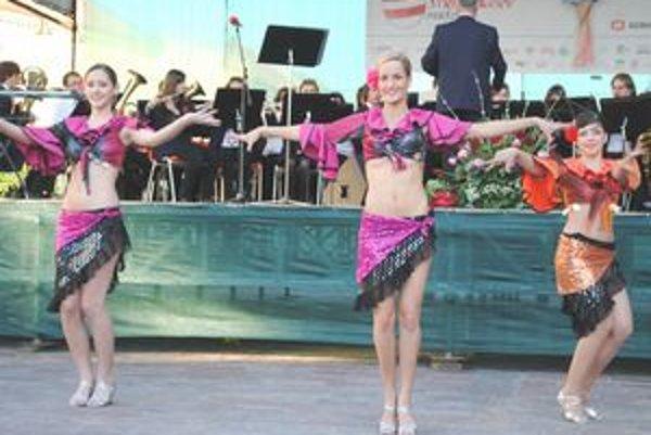 Tradičnou súčasťou Trojičného jarmoku je aj festival mažoretiek.