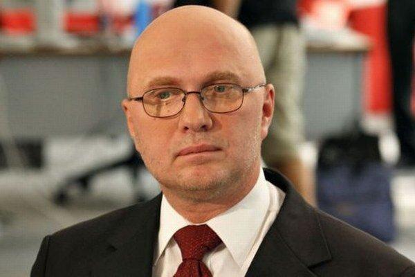 Jan Macháček, český analytik a komentátor.