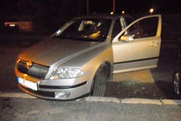 Vykradnuté auto. Majiteľ auta vyzýva svedkov.