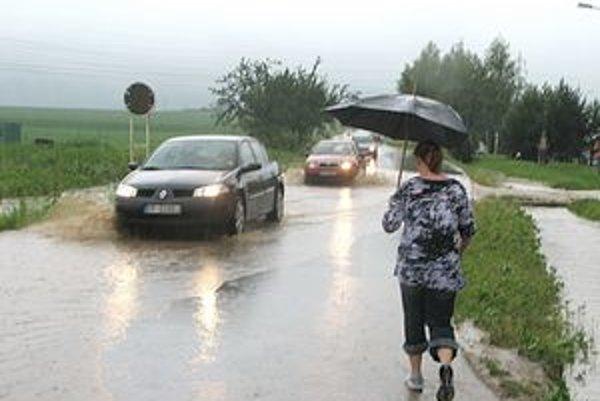 Vodiči často ošpliechajú chodca nechtiac.