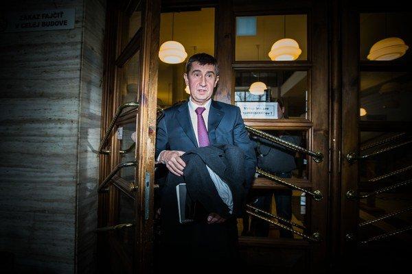 Duslo Šaľa z portfólia českého ministra financií Andreja Babiša nemuselo čakať, kým jeho žiadosť o daňovú úľavu schvália na vládnom rokovaní.