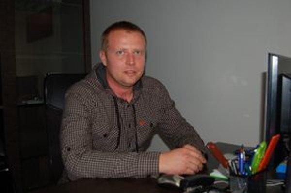 Jozef Kovalčík je nahnevaný na konkurenciu i prešovskú nemocnicu.