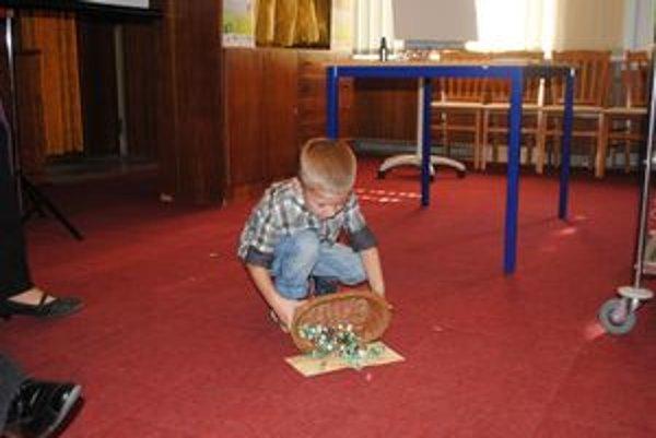 Andronicos Nicolas Christodoulou. Má iba štyri roky a už sa stal krstným otcom.