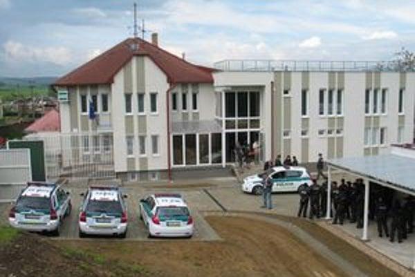Vynovená budova v Jarovniciach.