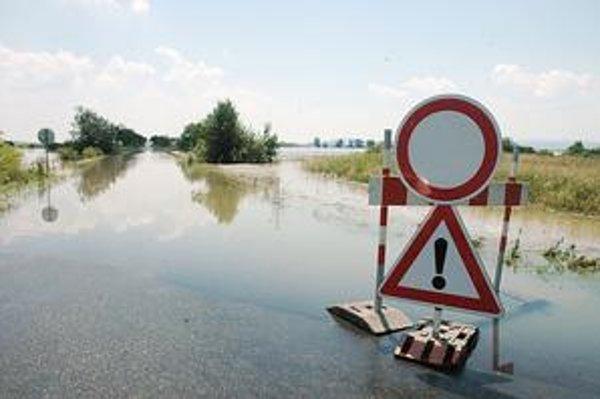 Cesta medzi Oborínom a Malčicami. Takto to tu vyzeralo včera.