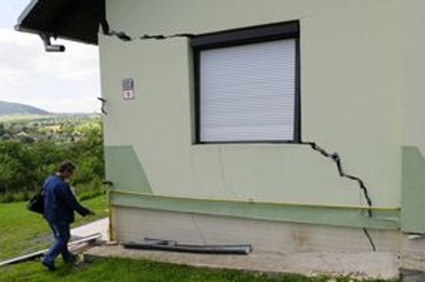 V Kapušanoch budú musieť zbúrať minimálne sedem poškodených domov.