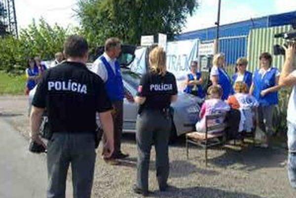 Napätú situáciu pri štrajku v Hencovciach musí riešiť polícia.