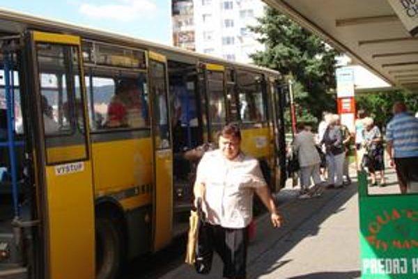 Doprava v Bardejove. Cestovné pre dospelého je 0,33 eura.