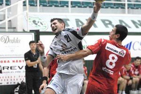 Marek Mikéci konto policajtov zaťažil v stredu piatimi gólmi.