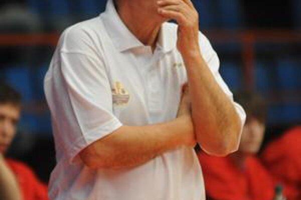 Jozef Rešetár. Hoci jeho tím prehral, tréner aj pochválil.