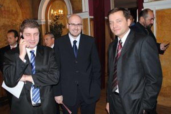 Trojica nováčikov. Zľava R. Dupkala, M. Kaliňák a A. Ernst.