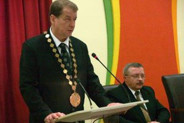 Peter Obrimčák (Smer). Zarába 3 557 eur.