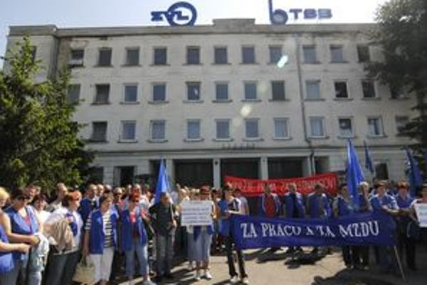 V roku 2009 zažili v ZVL auto veľké odborárske protesty.