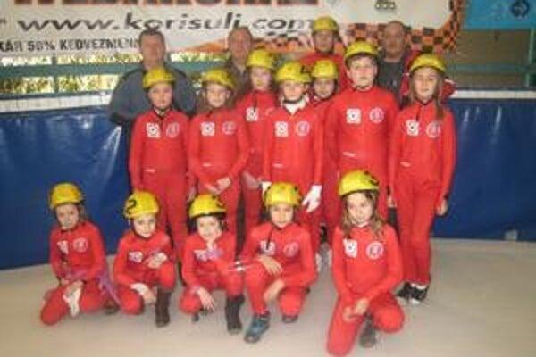 Rýchlokorčuliari. Rýchlokorčuliari Akademika pretekali na Tisza Cupe.
