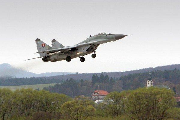 Naše armádne letectvo je závislé od ruských dodávok náhradných dielcov.