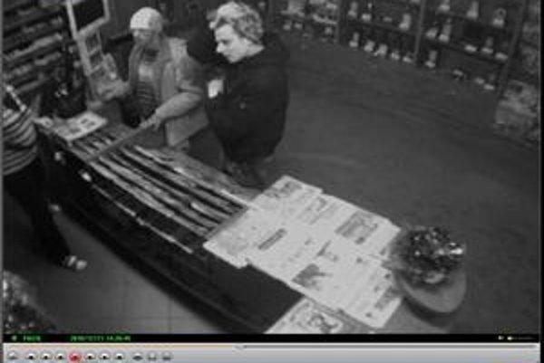 Zlodeji z pokladnice vzali 440 eur.