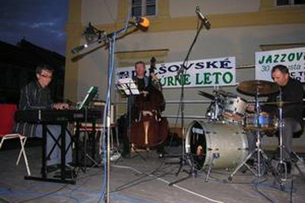 AMC Trio. Prešovskí džezmeni oslávia vydanie tretieho albumu.