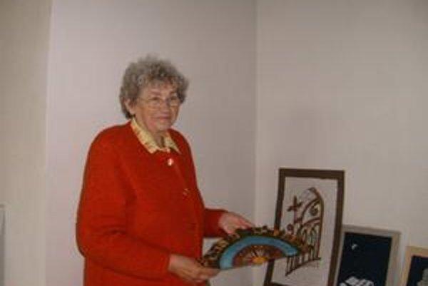 Cechmajsterka. B. Šimková podporuje aj zahraničných autorov.
