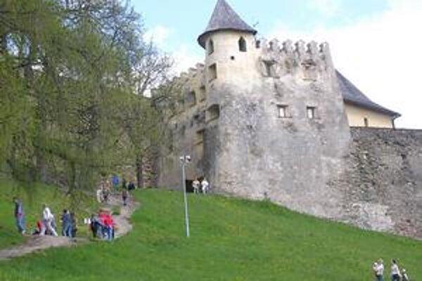 Ľubovniansky hrad. PSK chce na jeho rekonštrukciu získať prostriedky.