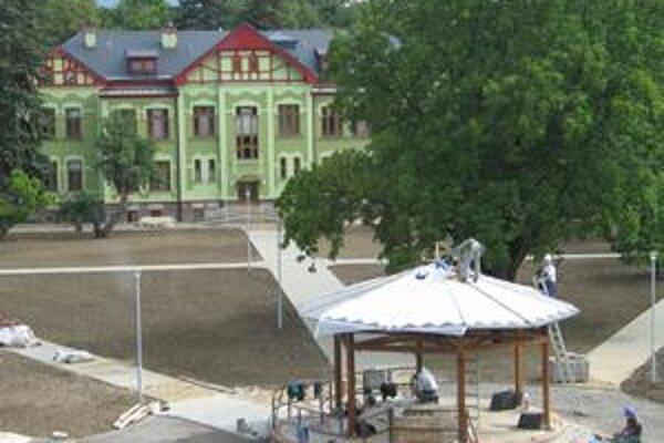 Budúci DSS. Stavba v Orkucanoch je pred dokončením.