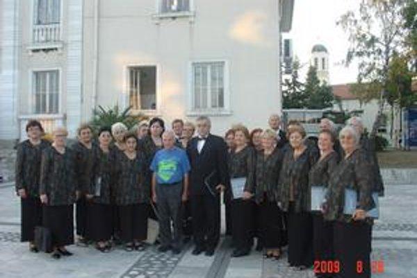 Zmiešaný zbor. V Bulharsku zažili kultúru aj oddych pri mori.