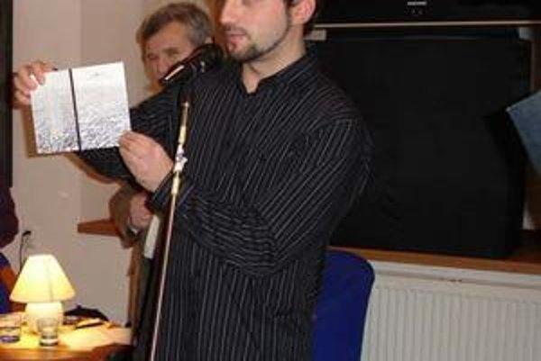 Peter Staríček. Tvrdí, že básne píše od nepamäti...