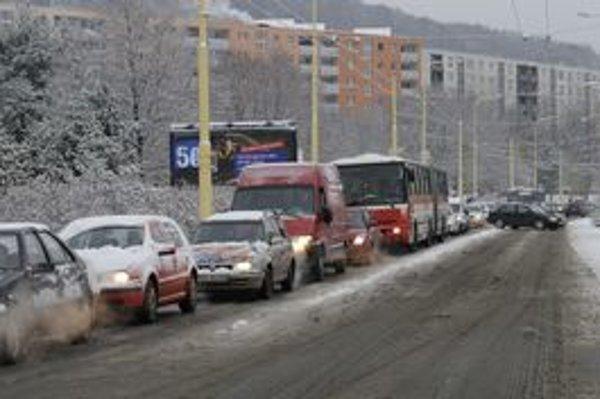 Sneženie v najbližších dňoch zrejme nehrozí, ale v Prešove sa naň už pripravujú.