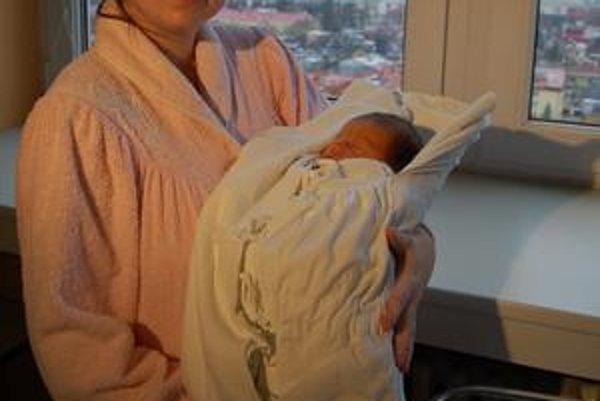 Prvý Prešovčan roku 2010. V rukách mamičky Alexandry Nikoly Kulhánkovej.