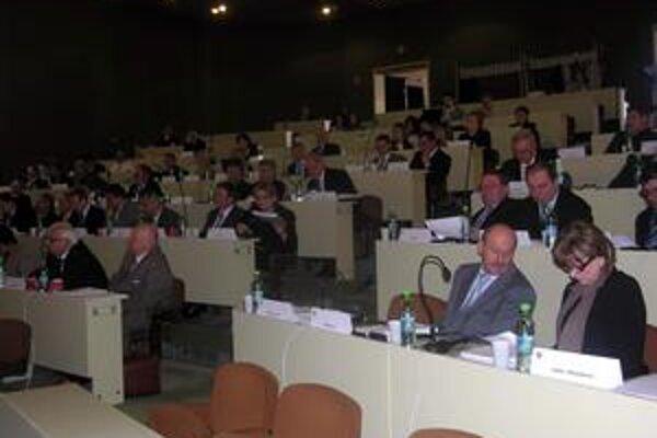Zastupiteľstvo PSK. Schválilo záverečný účet za rok 2008.