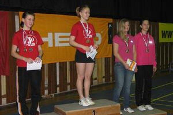 Dve zlaté a jedna strieborná. Ivana Kubíková (na najvyššom stupni) je momentálne najlepšou slovenskou juniorkou.