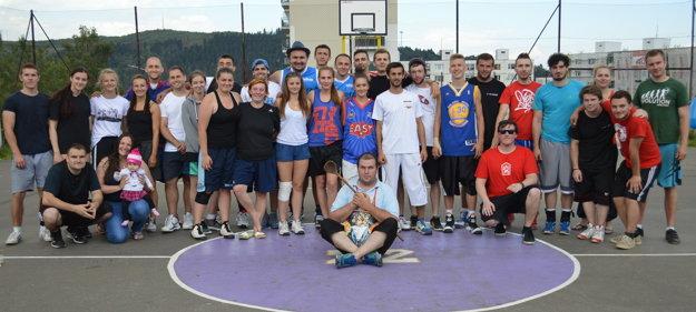 Spoločné foto účastníkov a organizátor 2. ročníka Memoriálu Tibora Baláža.