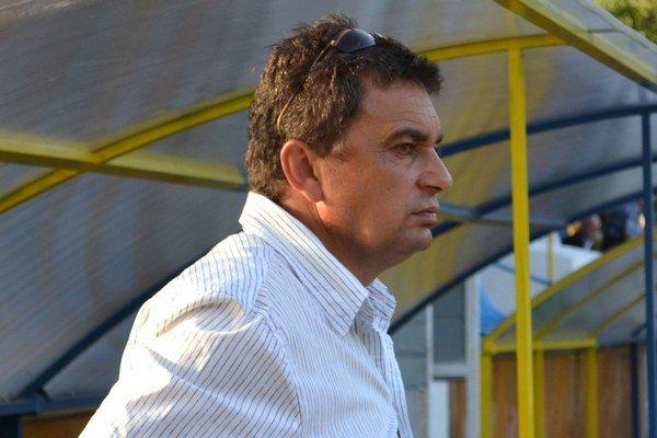 Tréner Slavoja Vladimír Rusnák. Jeho zverenci boli blízko k prvej jarnej výhre.