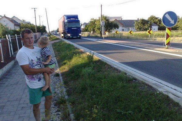 Nákladná doprava v Dvoriankach.
