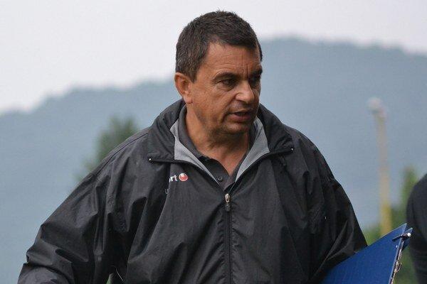 Tréner Vladimír Rusnák. Zajtra čaká jeho mužstvo domáca premiéra.