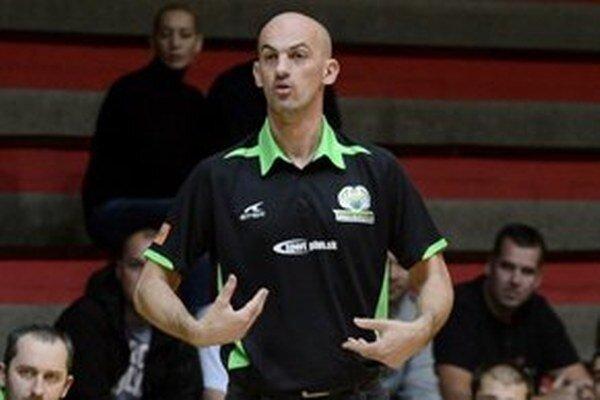 Jedna zo skupín sa volá po súčasnom trénerovi BC Krunoslavovi Krajnovičovi.