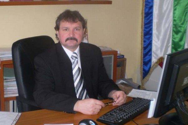 Nebohý starosta Arpád Petrik.