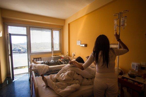 Rozpočet so zadlžovaním nemocníc v budúcom roku neráta.
