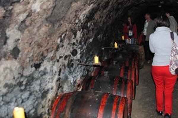 Tokajské pivnice. Návštevníci degustovali kvalitné vína pod zemou v stredovekých pivniciach.