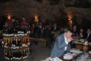 Ochutnávka. Veľvyslanci ocenili skvelé vína z vinohradníckej oblasti Tokaj.