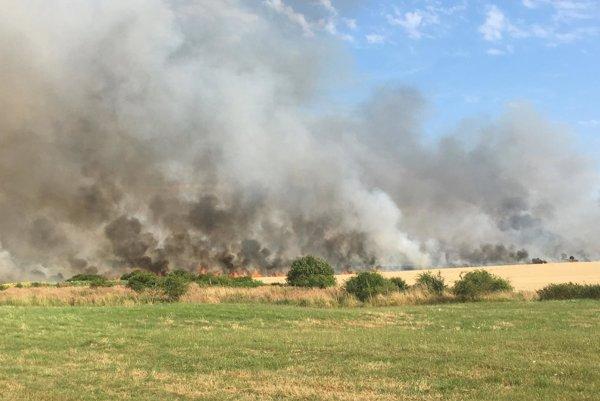 Okolie zahalil hustý dym