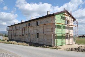 Nová bytovka v Polome.