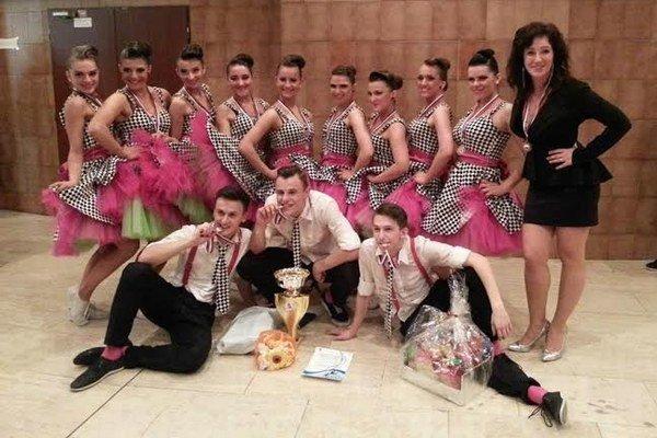 Úspešní tanečníci. V júni sa chystajú na majstrovstvá Európy v tanci.