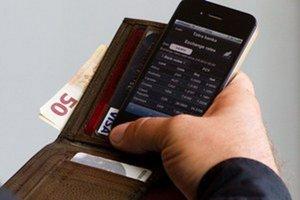Mobilné aplikácie na platby budú môcť od januára ponúkať aj startupové firmy, nielen banky.