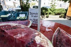 Väčšina trhovcov predáva melóny a dyne pod rovnakým názvom, rozlišujú ich podľa farby.