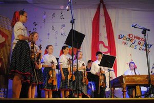 Detská ľudová hudba. V regióne pôsobí už desať rokov.