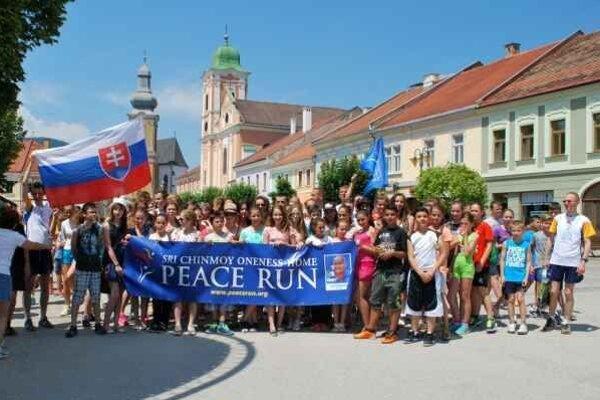 Mierový beh v Rožňave. Podujatie organizovali po celom Slovensku.