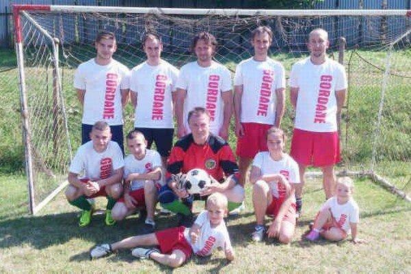 Gordane. Víťazstvo vo Vyšnoslanskom pohári patrí mužstvu Gordane, ktoré vo finále zdolalo Palenčiarku.
