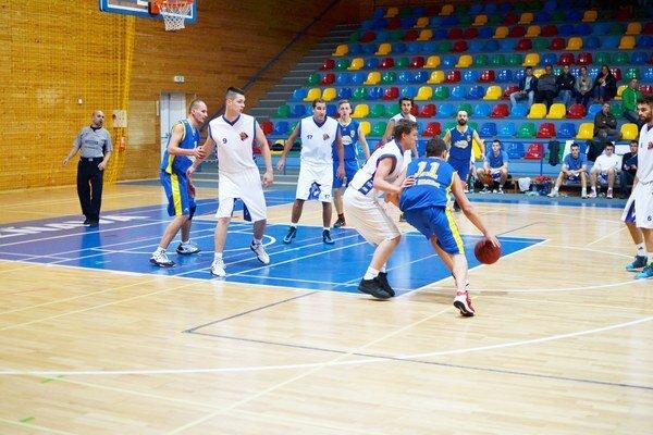 Druhé víťazstvo. Po víťazstve nad Sabinovom si uplynulú sobotu pripísali rožňavskí basketbalisti aj výhru nad Humenným.